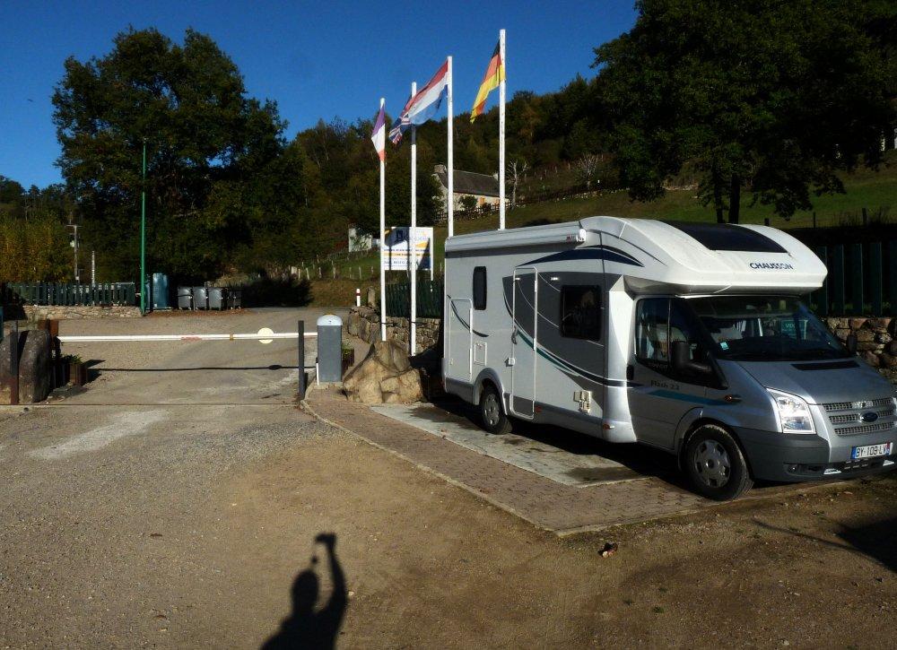 Aire camping-car à Montpeyroux (12210) - Photo 1